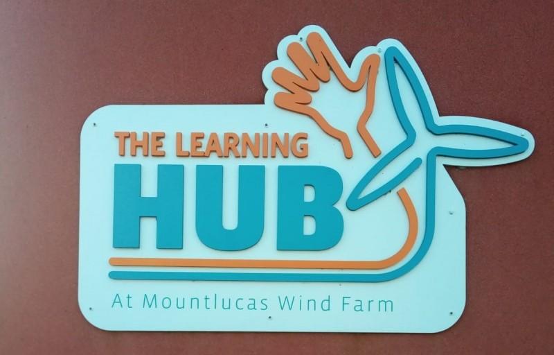 Learning Hub - Logo